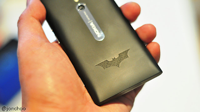 Nokia Lumia 800, Batman Logo