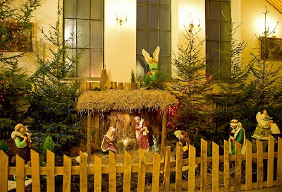 Beautifully Decorated Christmas Crib Picture Gallery