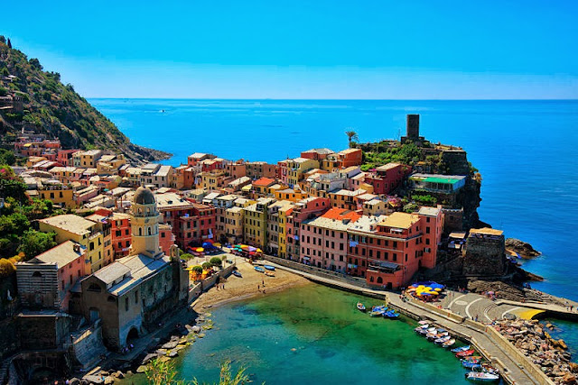 The five enchanting lands of Cinque Terre. Photo: WikiMedia.org.