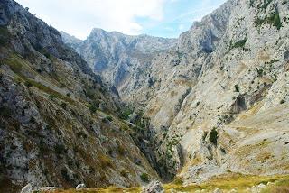 ruta del Cares, tramo de descenso tras el alto de Los Collaos