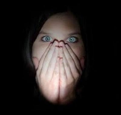 Οι δανειστές δεν σταματούν να μας φοβερίζουν