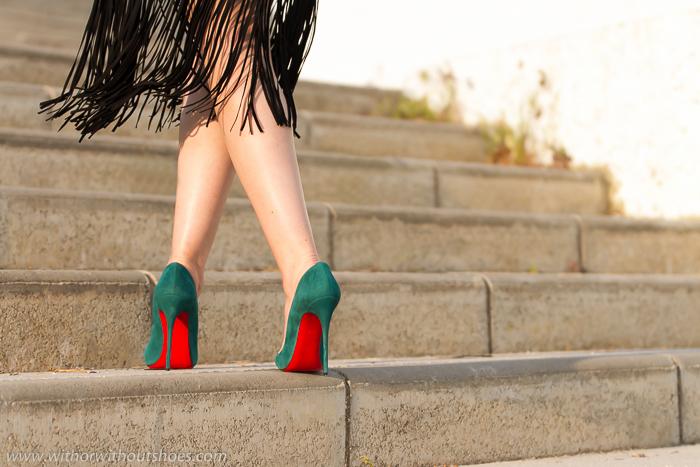 Tendencia Flecos suelas rojas Louboutin idea de look para bodas y celebraciones