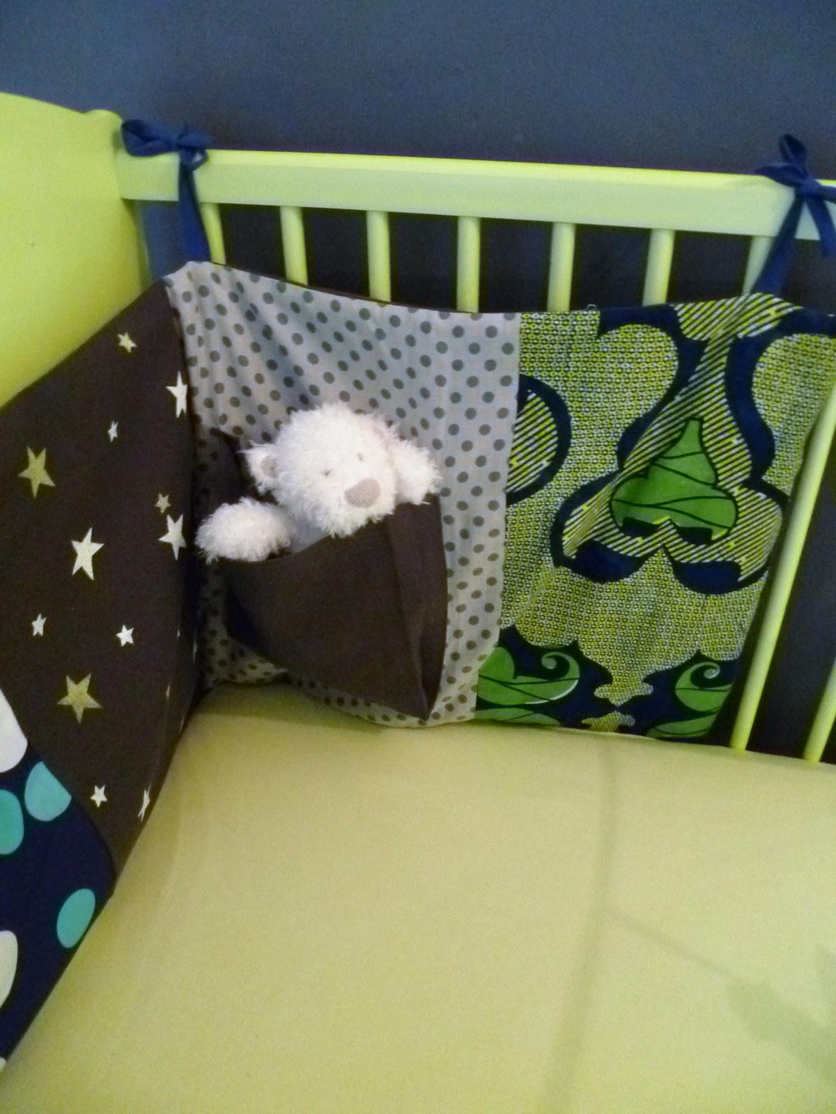 rue des bois tour de lit. Black Bedroom Furniture Sets. Home Design Ideas