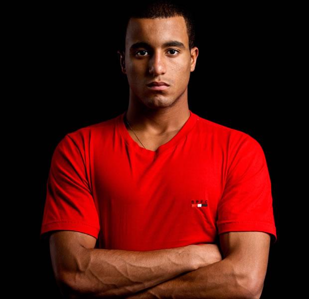 Com apenas 19 anos, Lucas é um dos integrantes da seleção brasileira de futebol. Ele foi uma das revelações São Paulo nos últimos anos. Neste mês, já vestiu a camisa verde e amarela e participou de um amistoso contra a Inglaterra (Foto: Ezra Shaw/Getty Images)
