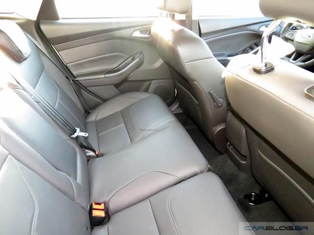 Novo Ford Focus 2016 - espaço traseiro