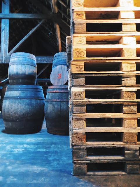 brasserie cantillon, brussels, belgium, belgian beer, brewery tour
