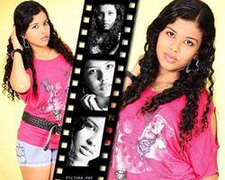 Faça montagem com cinco fotografia com efeito preto e branco e uma moldura de filme negativo