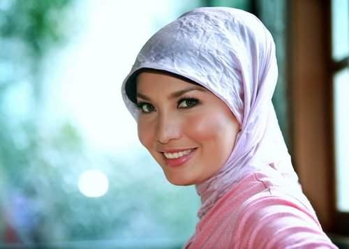 Model Jilbab Artis Selebritis