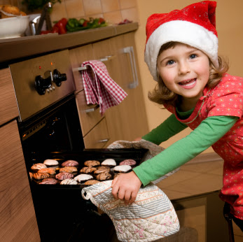 5 reasons to bake with your kids during the holidays.