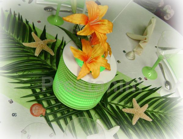 Ma d coration de mariage ambiance led fluo pour vos tables for Feuille de palmier deco