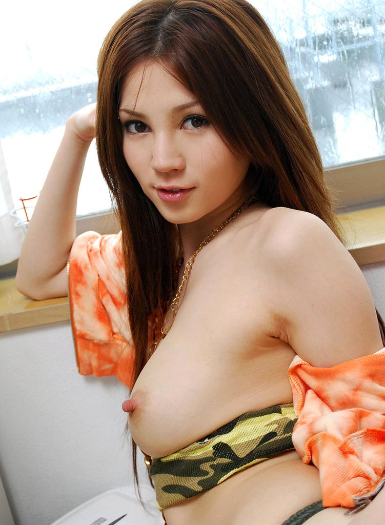 ameri ichinose boob exposed pic 01