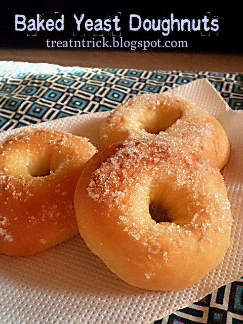 Baked Yeast Doughnuts Recipe @ treatntrick.blogspot.com