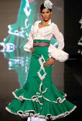 moda flamenca falda traje sevillana