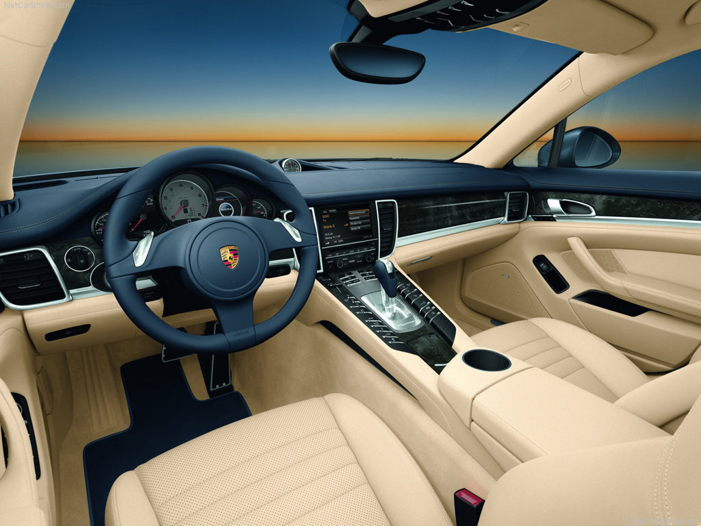 voitures et automobiles la porsche panamera. Black Bedroom Furniture Sets. Home Design Ideas