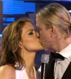 Beso de Romina y Guti en Splash!