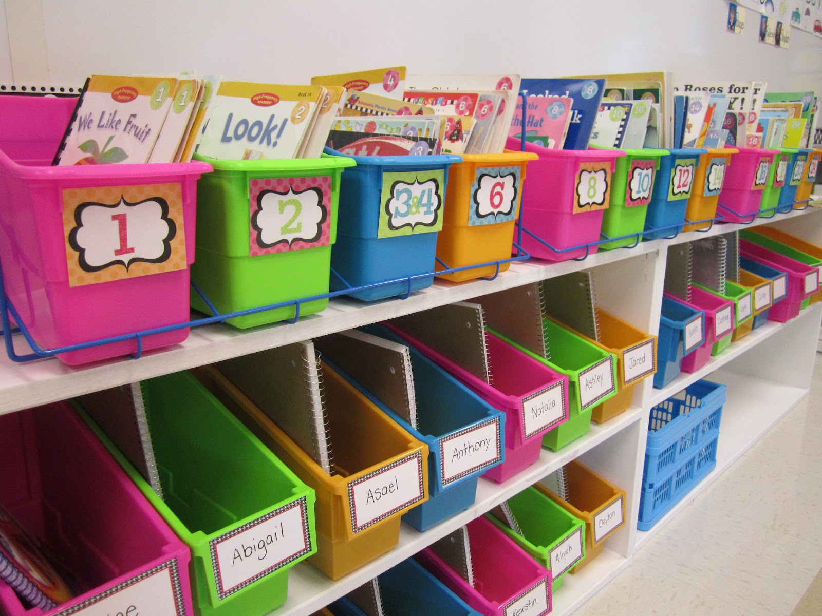 Classroom Book Ideas ~ First grade glitter and giggles new zebra leveled labels