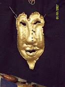 Máscara en bronce