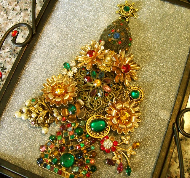 Saturdays Vintage Finds 2013 S Framed Jewelry Christmas Trees