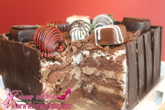 French Chocolate Box Dari Cake Sense