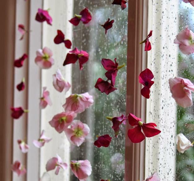 Декор на окно своими руками фото