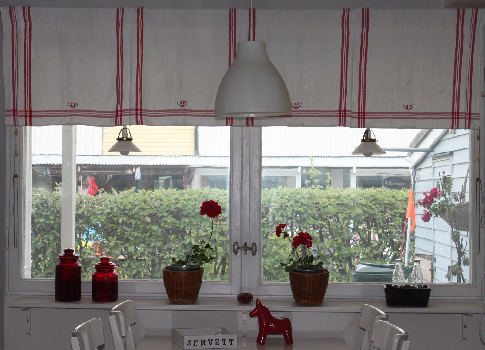 I Dorrans värld: Symötestisdag - köksgardin och mitt kök.