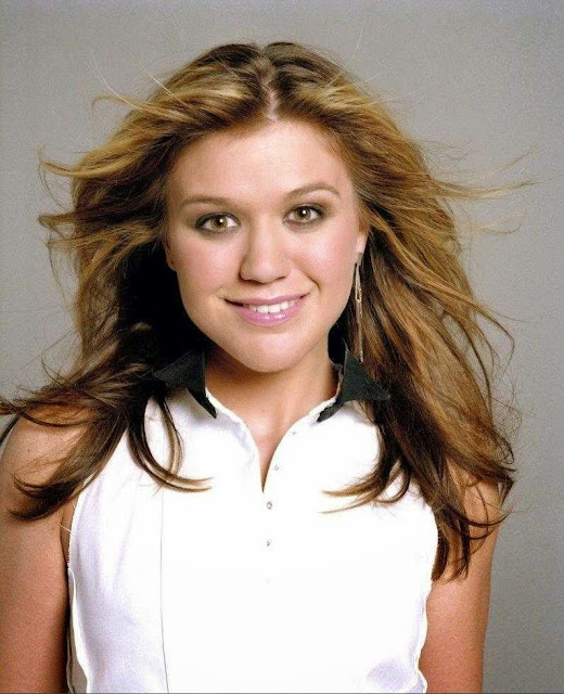 Foto penyanyi Kelly Clarkson
