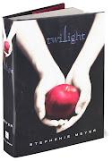 De dónde saqué el diseño: Libro I: Saga Crepúsculo, portada. Significado: (twilight book)