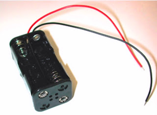 homemade cell phone emergency charger pack circuit circuit the above holder would generate a voltage of about 4 8v at its wire terminals four aaa 1 2 ni cd attached to in the given slots correctly