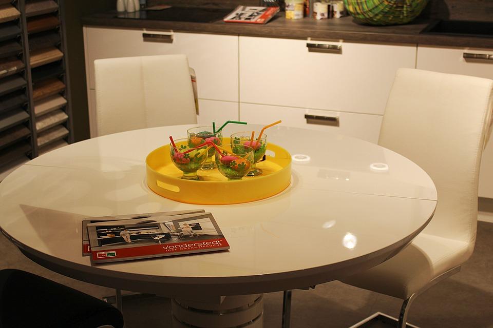 Desain Meja Makan Bundar Minimalis