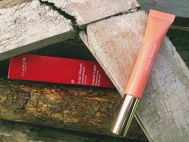 Clarins instant light natural lip perfector 02 reflet corail