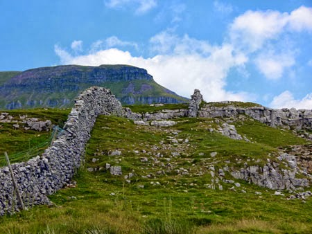Pen-y-Ghent, Yorkshire, Three Peaks, Horton in Ribblesdale, Pennine Way, walks in England