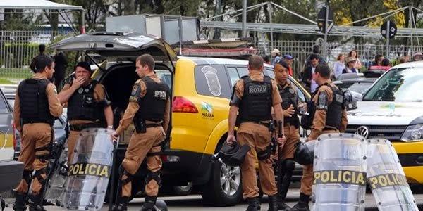 POLICIAIS SE RECUSAM A PARTICIPAR E, REPRENDER PROFESSORES