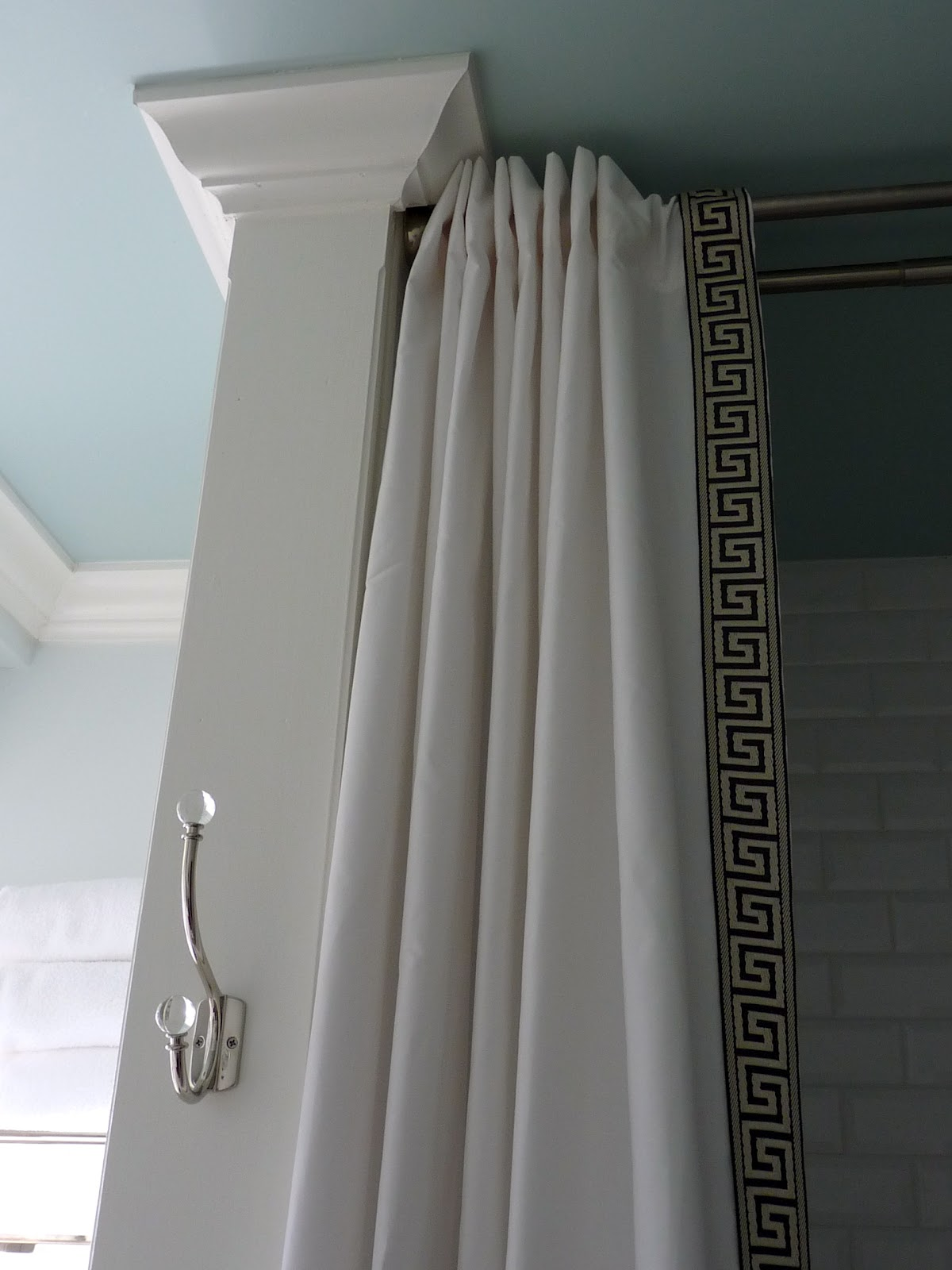 Shower Curtains That Look Like Drapes
