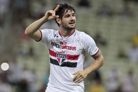 Alexandre Pato, por contrato, não pode enfrentar o Corinthians