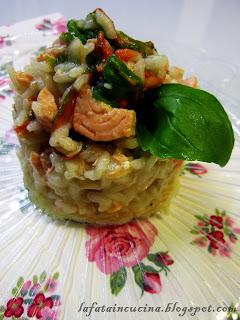 Risotto salmone, fiori di zucca e basilico