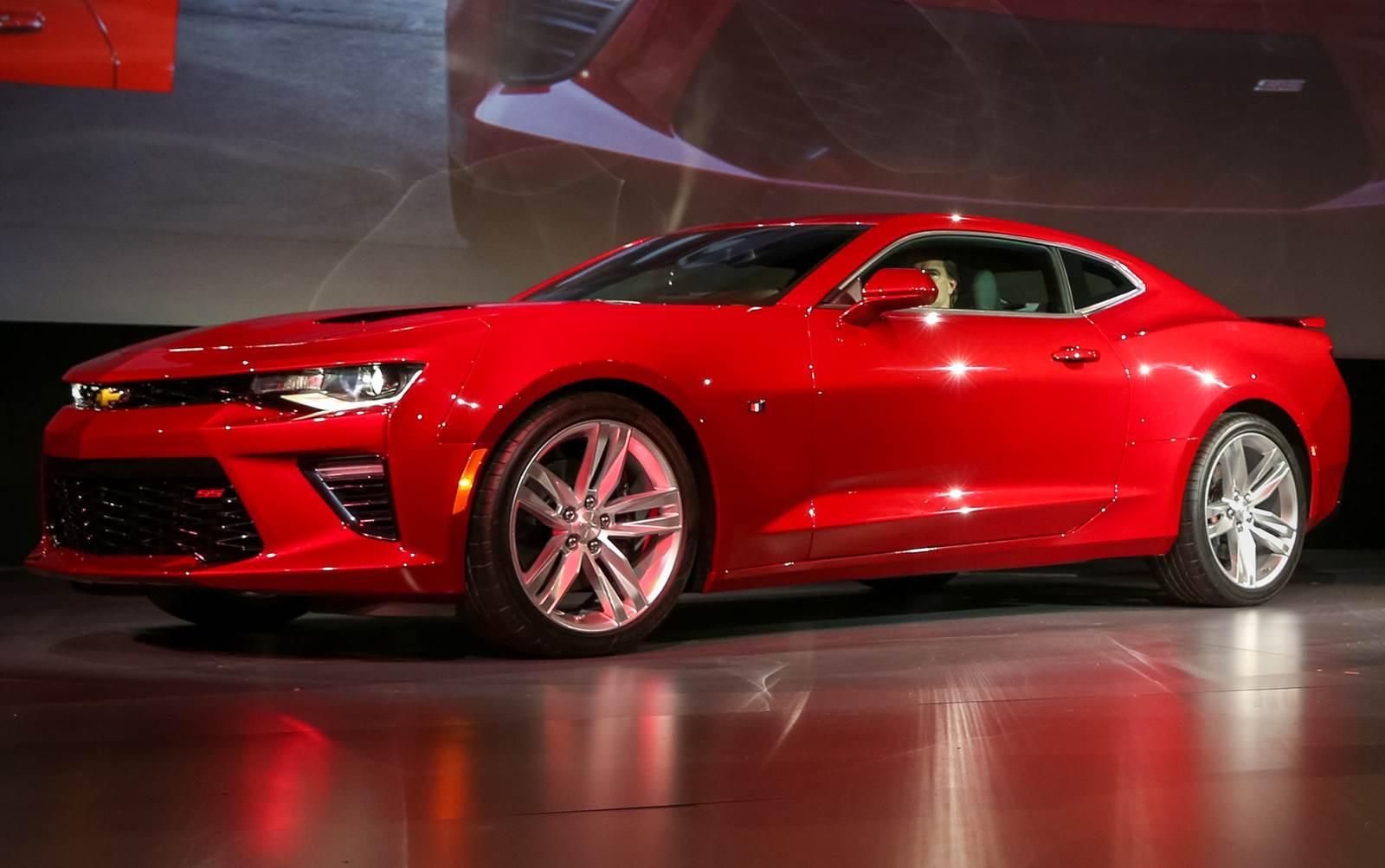 Camaro Vs Mustang >> Novo GM Camaro 2016: vídeo, desempenho e especificações ...