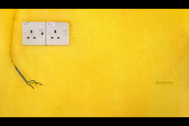 minimalist yellow, socket