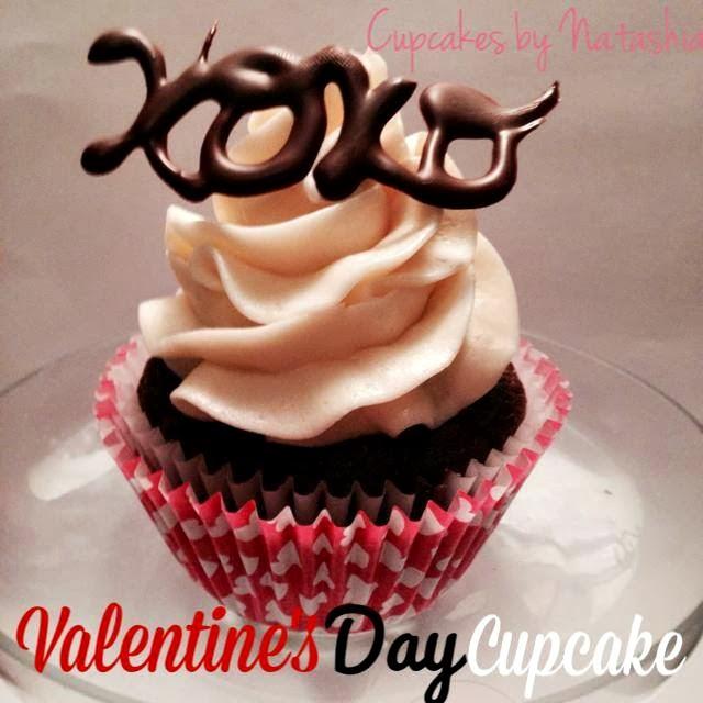 valentine xoxo cupcake