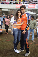 Salman, Daisy, Huma & Shruti at CCL match