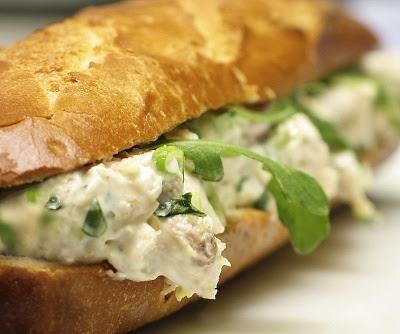 Sandwich de pasta de pollo