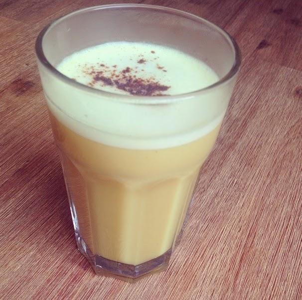 hei e drinks f r kalte tage fl ssiges gold mit der golden milk veganaholic. Black Bedroom Furniture Sets. Home Design Ideas