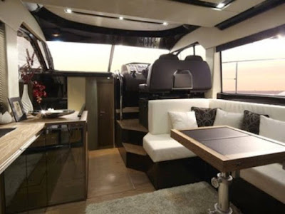 Sessa Marine FLY 40: a small luxury yachts and spacious