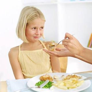 Mengatasi Anak Susah Makan Nasi