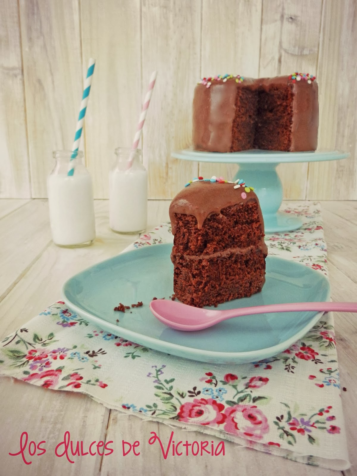 Tarta esponjosa de chocolate & Crema de chocolate y queso philadelphia