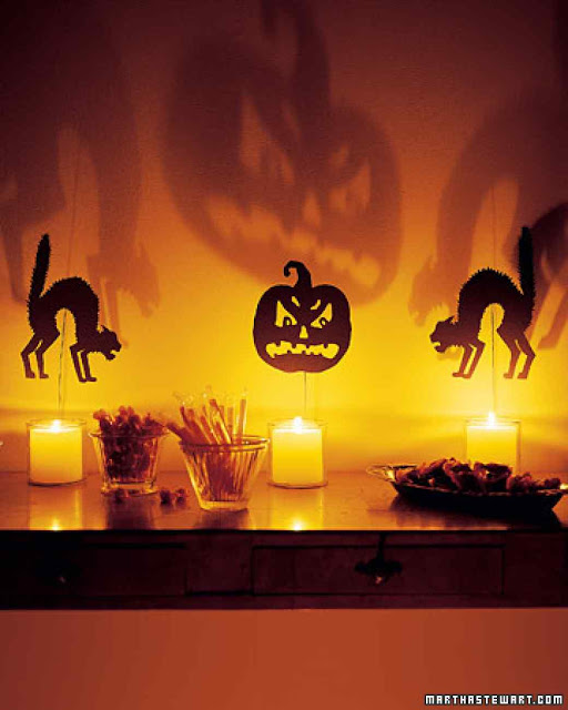 http://www.bhg.com/halloween/indoor-decorating/diy-ghost-projects/?sssdmh=dm17.555132&esrc=nwcu101811&email=3603614000#page=1