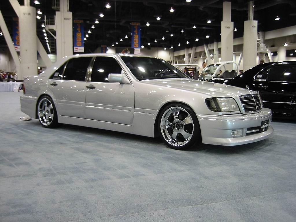 http://4.bp.blogspot.com/-ZUeUMUxToC8/TdB8ue0mraI/AAAAAAAAAQY/YKQLZkMOaFM/s1600/mercedes-s-class-cars-wallpapers.jpg