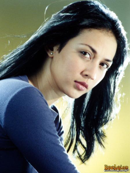 Kini Dina Telah Menikah Dengan Ghatan Saleh Hilabi Mantan Suami Cut Keke Pernikahan Keduanya Dilangsungkan Pada Tanggal