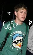 . de vergonha , então falei : voce : Niall , me empresta uma blusa sua .