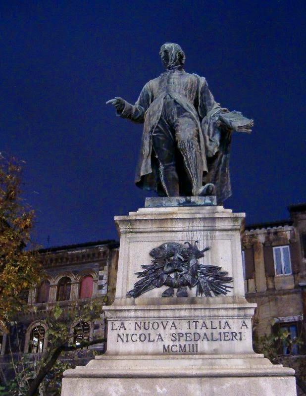La statua di Nicola Spedalieri