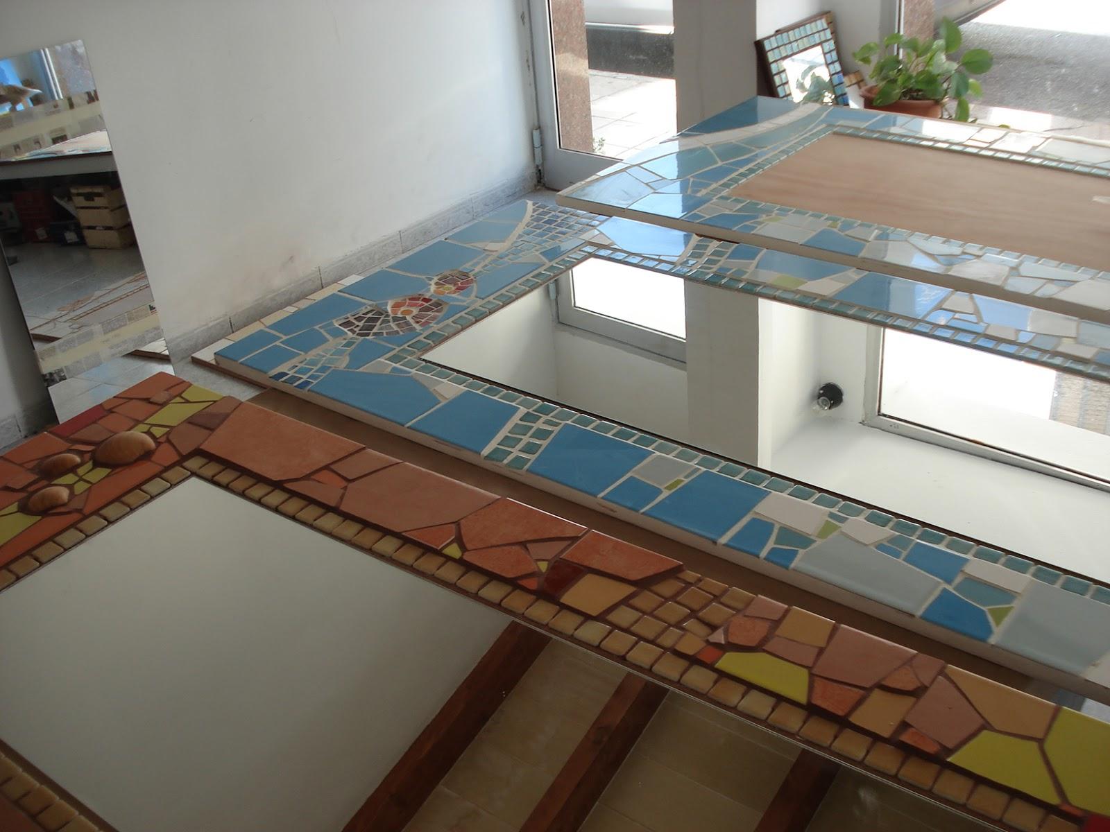 Mosaicos mallorca espejos de mosaico para el hostal for Mosaicos para espejos